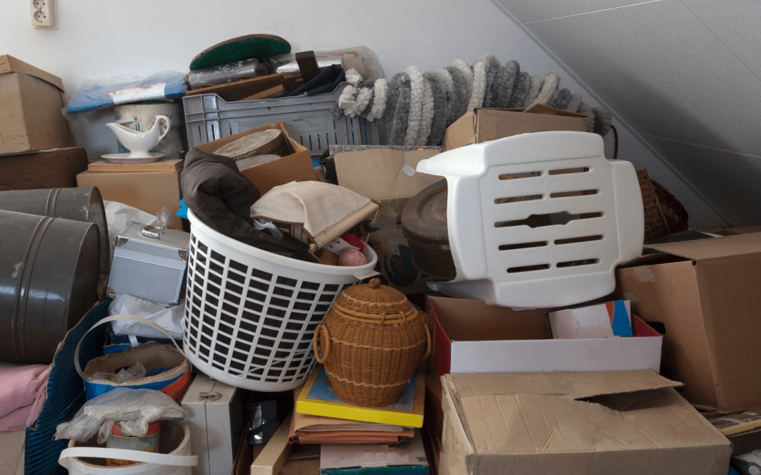 Are There Professional Organizers for Hoarders? Working in a Hoard